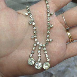 VTG drippy white chaton rhinestone choker necklace